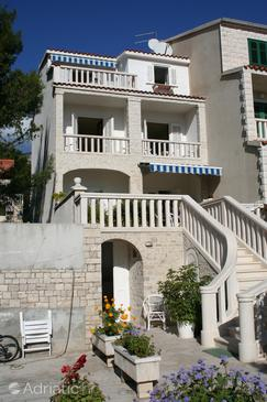 Property Bol (Brač) - Accommodation 2875 - Apartments and Rooms with pebble beach.