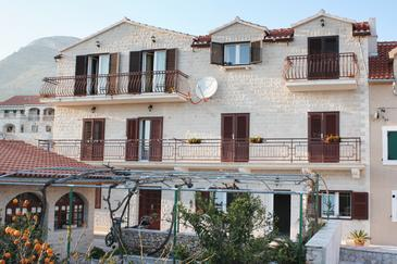 Property Bol (Brač) - Accommodation 2899 - Apartments with pebble beach.