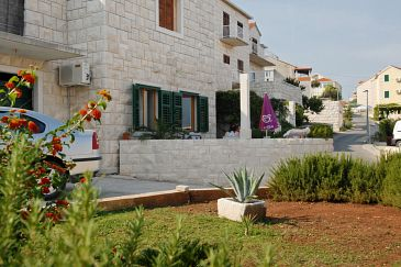 Postira, Brač, Property 2913 - Apartments with pebble beach.