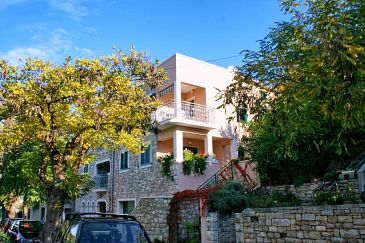 Property Postira (Brač) - Accommodation 2915 - Apartments with pebble beach.