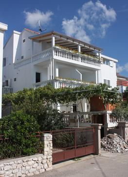 Vodice, Vodice, Property 2995 - Apartments with pebble beach.