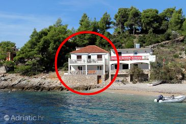 Property Uvala Tvrdni Dolac (Hvar) - Accommodation 2997 - Apartments near sea with pebble beach.