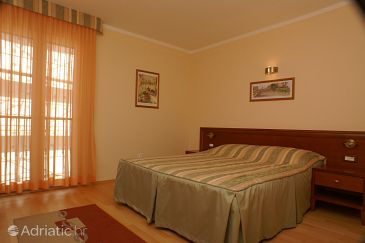 Room S-3057-e - Rooms Tučepi (Makarska) - 3057