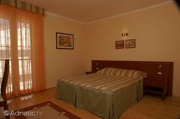 Room S-3057-j - Rooms Tučepi (Makarska) - 3057
