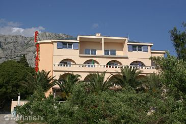 Property Tučepi (Makarska) - Accommodation 3060 - Rooms with pebble beach.