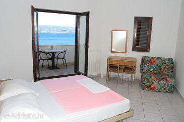 Duće, Bedroom u smještaju tipa room, dostupna klima, dopusteni kucni ljubimci i WIFI.