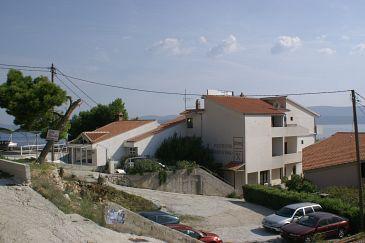 Obiekt Stanići (Omiš) - Zakwaterowanie 3064 - Apartamenty blisko morza ze żwirową plażą.