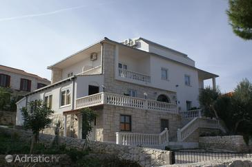 Property Splitska (Brač) - Accommodation 3067 - Apartments and Rooms near sea.