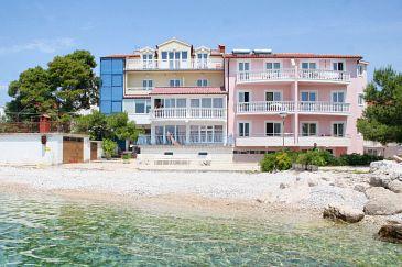 Obiekt Primošten (Primošten) - Zakwaterowanie 3088 - Kwatery blisko morza ze żwirową plażą.
