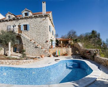 Property Milna (Brač) - Accommodation 3100 - Vacation Rentals near sea.