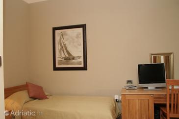 Orebić, Bedroom u smještaju tipa room.