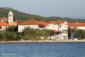 Property Mrljane (Pašman) - Accommodation 319 - Apartments near sea.