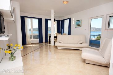 Room S-3202-a - Apartments and Rooms Seget Vranjica (Trogir) - 3202