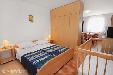 Apartment A-3223-e - Apartments Linardići (Krk) - 3223