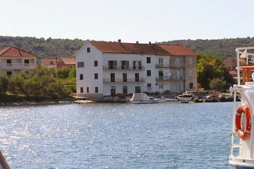 Property Neviđane (Pašman) - Accommodation 323 - Apartments near sea with pebble beach.