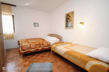 Room S-3231-a - Apartments and Rooms Krk (Krk) - 3231