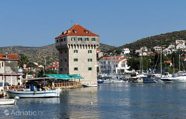 Property Marina (Trogir) - Accommodation 3239 - Rooms near sea with pebble beach.