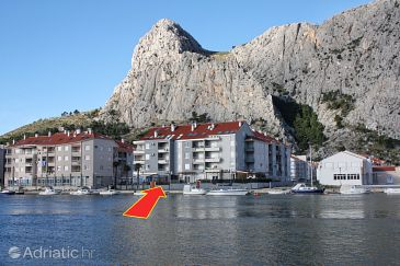 Property Omiš (Omiš) - Accommodation 3253 - Apartments with sandy beach.