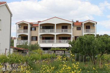 Property Biograd na Moru (Biograd) - Accommodation 3282 - Apartments near sea with pebble beach.