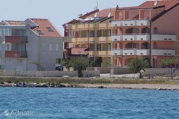 Povljana, Pag, Property 3316 - Apartments blizu mora with pebble beach.
