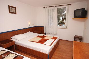 Room S-3329-b - Rooms Drašnice (Makarska) - 3329