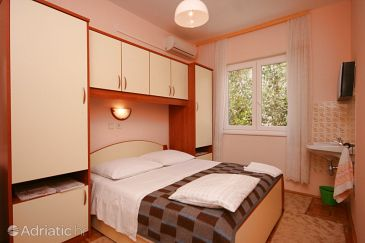 Room S-3331-b - Apartments and Rooms Starigrad (Paklenica) - 3331