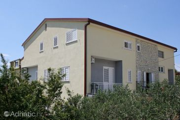 Property Starigrad (Paklenica) - Accommodation 3331 - Apartments and Rooms near sea with pebble beach.