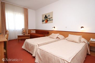 Room S-3333-f - Rooms Starigrad (Paklenica) - 3333