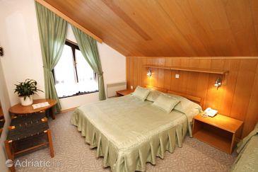 Room S-3335-d - Rooms Starigrad (Paklenica) - 3335