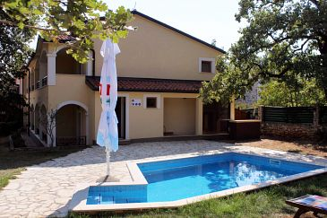 Property Kršin (Novigrad) - Accommodation 3338 - Rooms with pebble beach.