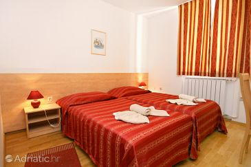 Room S-3352-a - Rooms Novigrad (Novigrad) - 3352