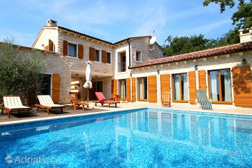 Property Karigador (Novigrad) - Accommodation 3356 - Vacation Rentals in Croatia.