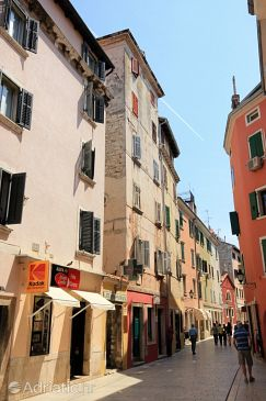 Property Rovinj (Rovinj) - Accommodation 3424 - Apartments near sea with pebble beach.