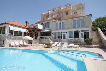 Property Cavtat (Dubrovnik) - Accommodation 3547 - Apartments with pebble beach.