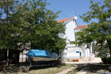 Turanj, Biograd, Property 364 - Apartments blizu mora with pebble beach.
