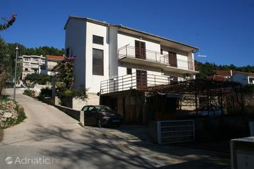 Property Jelsa (Hvar) - Accommodation 4007 - Apartments with pebble beach.