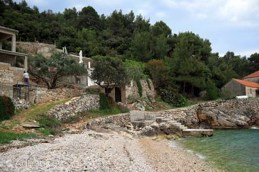 Property Uvala Skozanje (Hvar) - Accommodation 4039 - Vacation Rentals near sea with pebble beach.