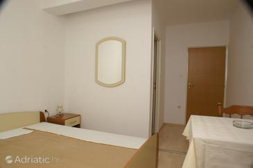 Jakišnica, Bedroom u smještaju tipa room, dopusteni kucni ljubimci i WIFI.