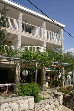 Property Jakišnica (Pag) - Accommodation 4076 - Rooms near sea with pebble beach.