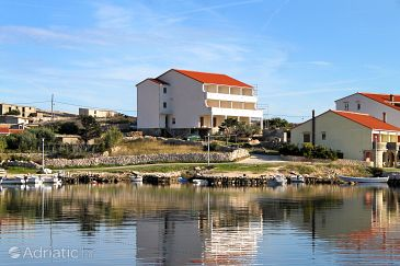 Property Kustići (Pag) - Accommodation 4087 - Apartments near sea with pebble beach.