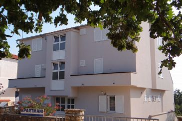 Property Potočnica (Pag) - Accommodation 4096 - Apartments with sandy beach.