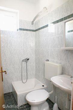 Mandre, Bathroom u smještaju tipa room, dopusteni kucni ljubimci.