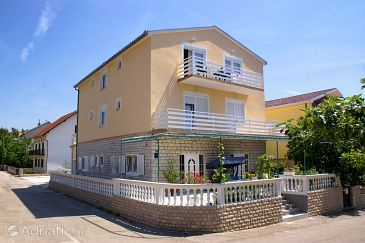 Vodice, Vodice, Property 4172 - Apartments with pebble beach.