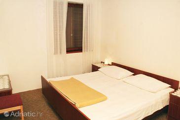 Room S-4228-c - Rooms Vodice (Vodice) - 4228