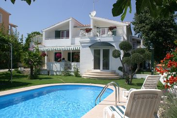 Property Vodice (Vodice) - Accommodation 4235 - Apartments with pebble beach.
