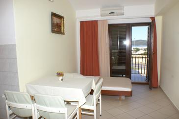 Apartament A-4240-a - Apartamenty Brodarica (Šibenik) - 4240