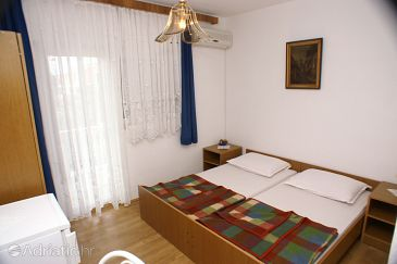 Biograd na Moru, Bedroom u smještaju tipa room, dostupna klima i WIFI.