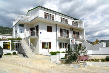 Property Grebaštica (Šibenik) - Accommodation 4323 - Apartments with pebble beach.