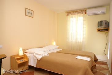Room S-4410-a - Apartments and Rooms Korčula (Korčula) - 4410