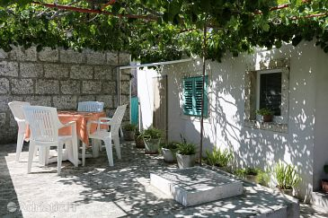 Property Lumbarda (Korčula) - Accommodation 4472 - Apartments with pebble beach.